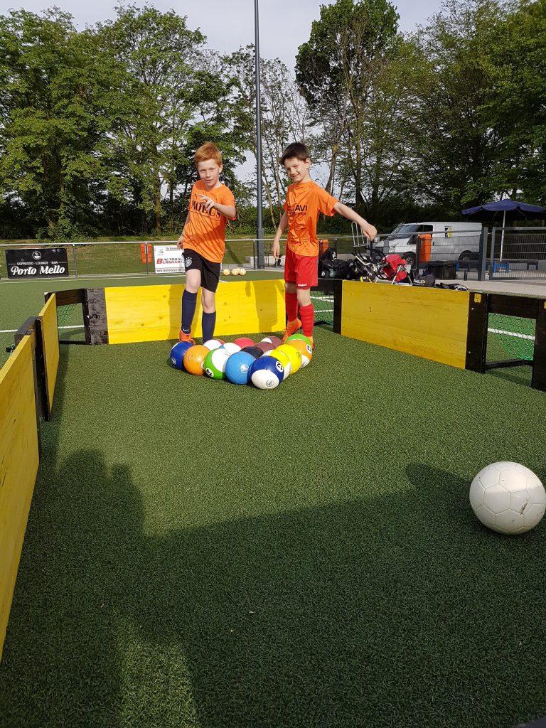 Fussball Billard mit Modus Training